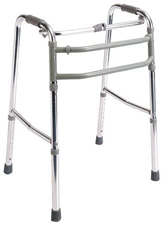 personas mayores sin ruedas